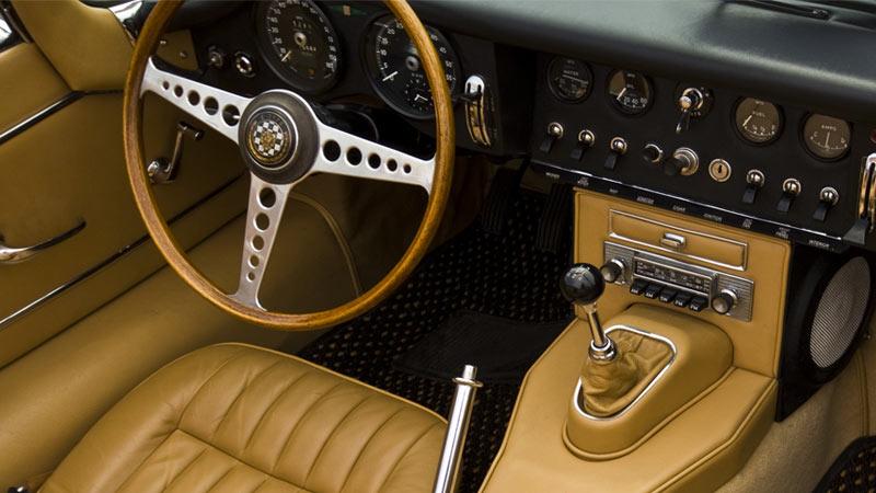 نمای داخلی داخل جگوار ای-تایپ Jaguar E-Type