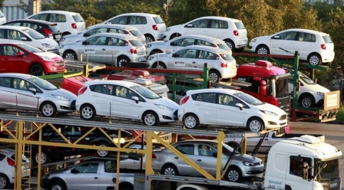 واردات خودرو از مناطق آزاد به کجا رسید؟