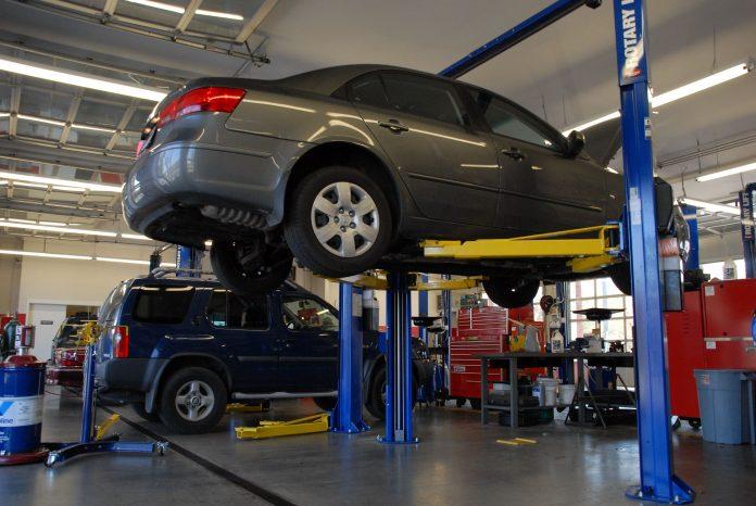 کمبود قطعات خودروهای خارجی به دردسر انداخت