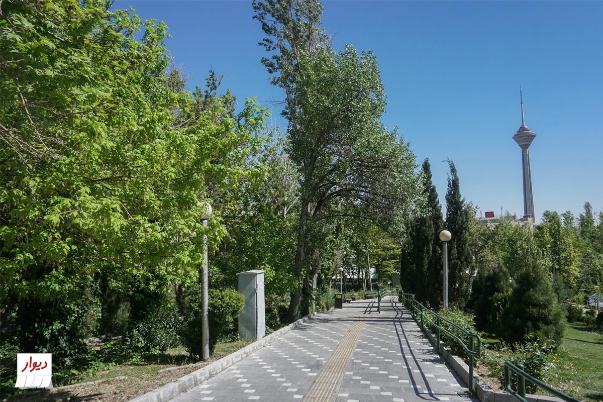 بوستان در محله سعادت آباد تهران