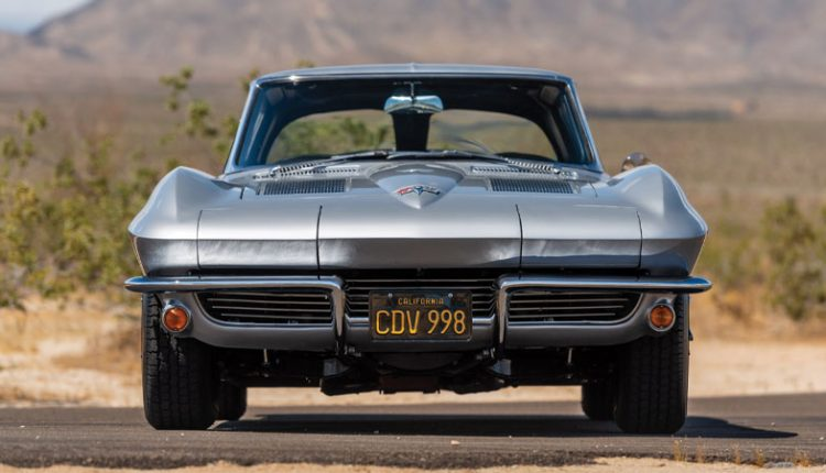 نمای روبهرو شورلت کورت مدل 1963