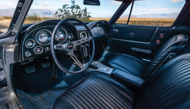نمای داخلی شورلت کورت مدل 1963