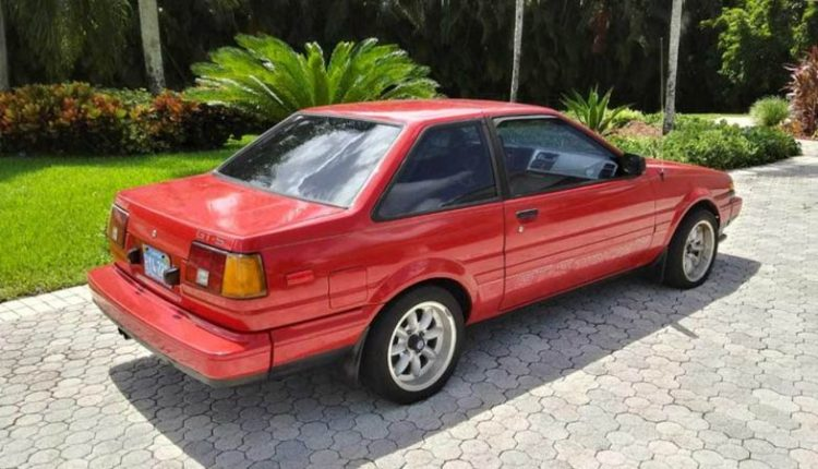 نمای پشتی تویوتا کرولا GTS مدل ۱۹۸۵