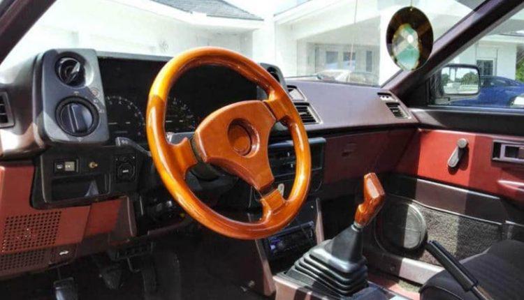 نمای داخلی تویوتا کرولا GTS مدل ۱۹۸۵